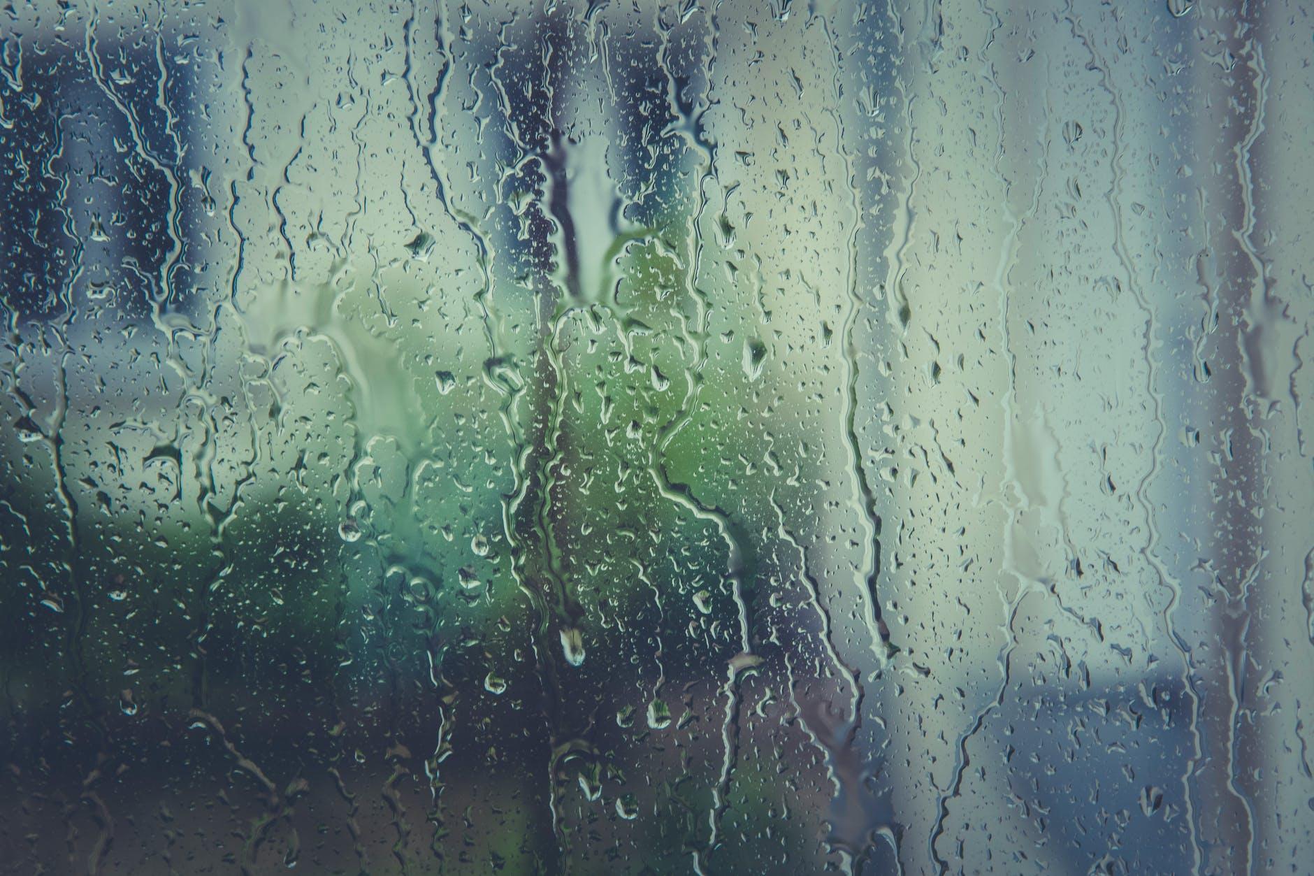 dážď na okn
